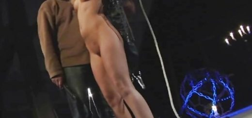 bound-amateur-fucked-with-fuck-machine_01