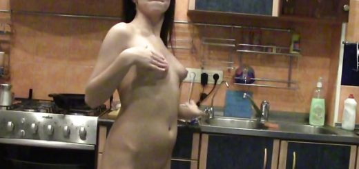 proud-exhibition-of-the-juicy-natural-tits_01